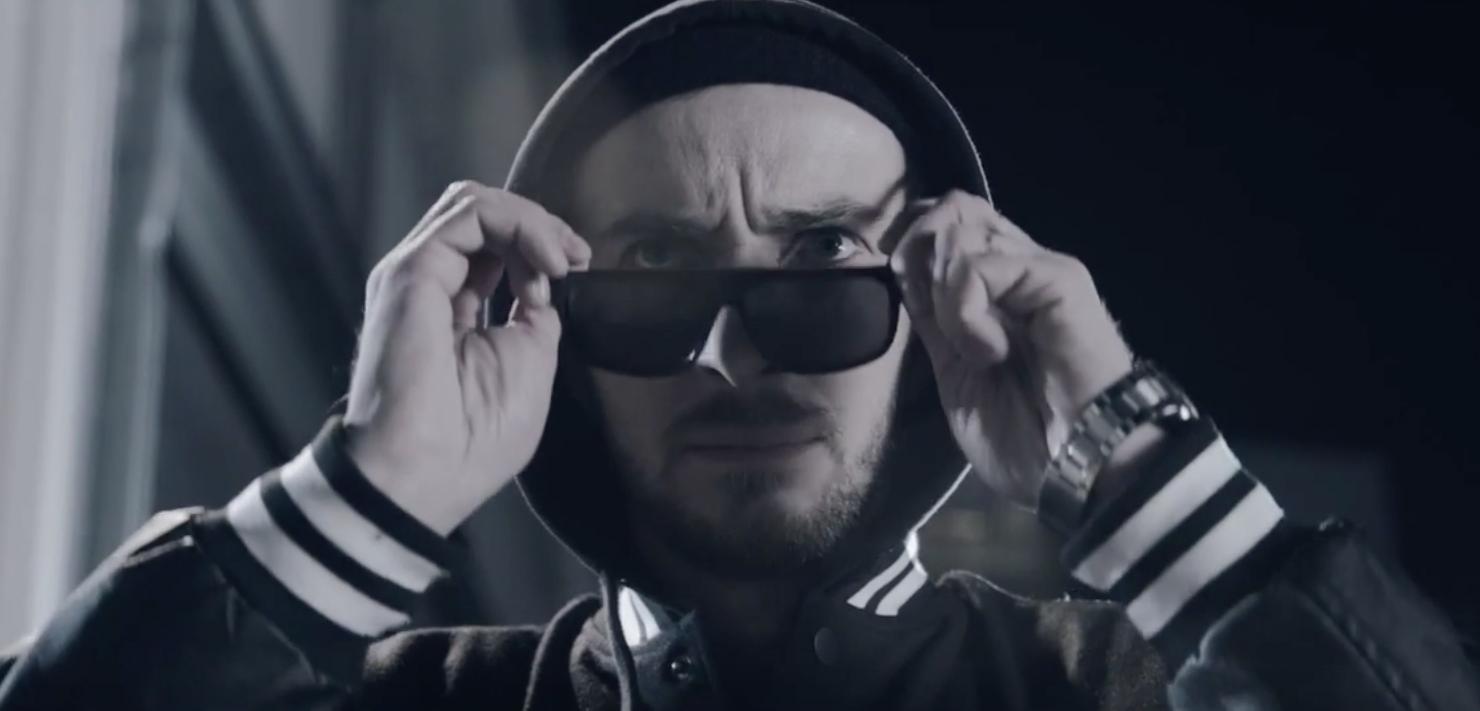 """Jan Böhmermann veröffentlicht Rapvideo als """"POL1Z1STENS0HN"""" - 16BARS.DE"""
