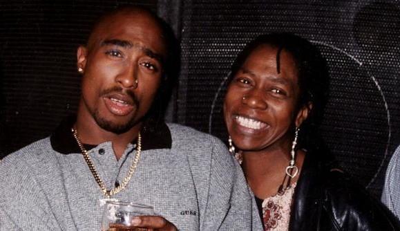 Tupac richtet sich an Biggie, P. Diddy und Jay Z in verschollenen Notizen | 16BARS.DE