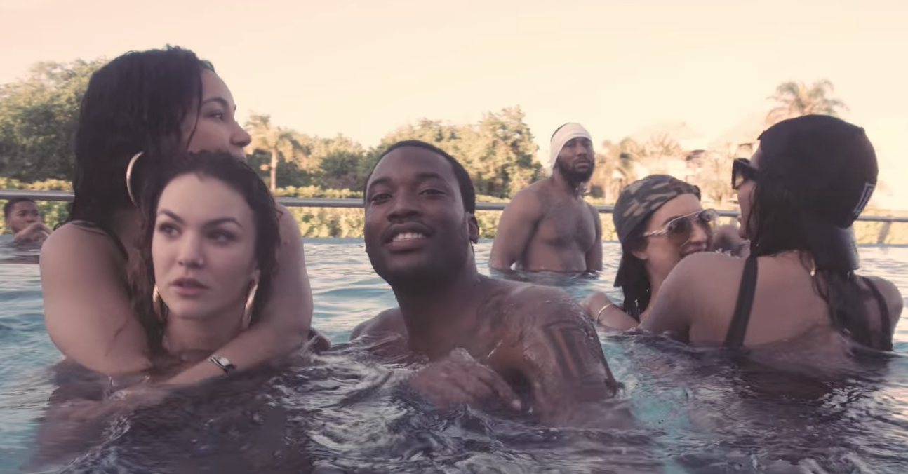 Meek Mill - Glow Up (Video) | 16BARS.DE