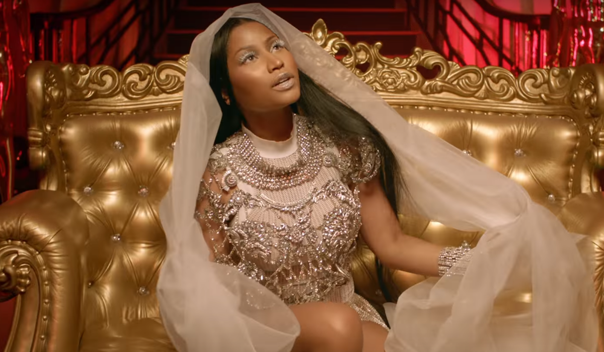 David Guetta feat. Nicki Minaj & Lil Wayne - Light My Body Up   16BARS.DE