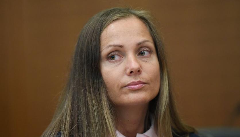 Schwesta Ewa gesteht Schläge gegen 4 Frauen | 16BARS.DE
