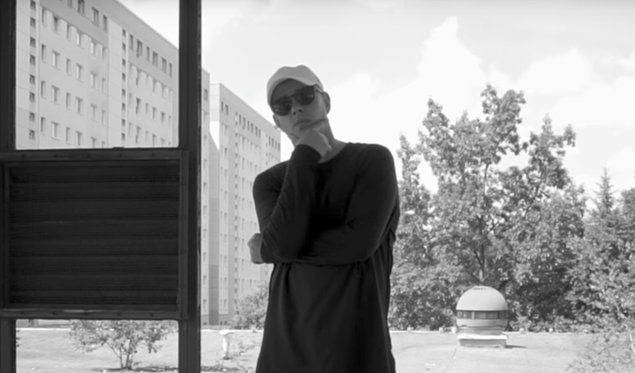 Video: Trettmann - Grauer Beton | 16BARS.DE