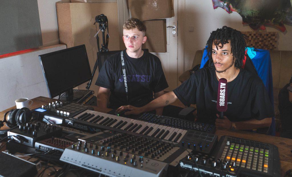 Alecto und Pvlace 808 Mafia produzieren einen Beat | 16BARS.DE