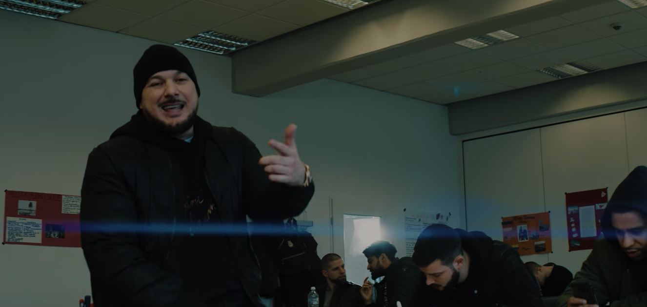 Kool Savas feat. Nessi - Deine Mutter (Video) |16BARS.DE