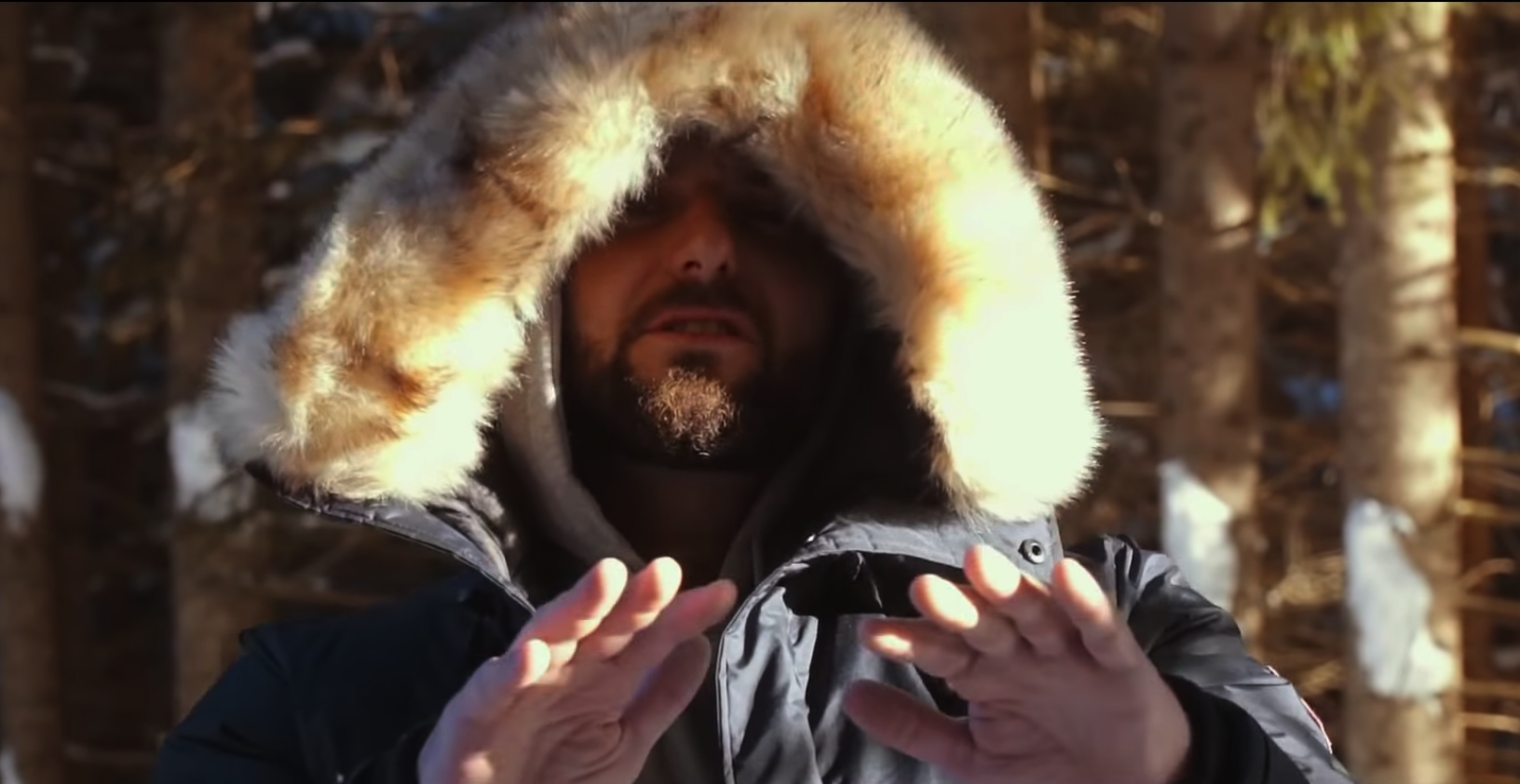 Bizzy Montana - Regenschirm (Video) | 16BARS.DE
