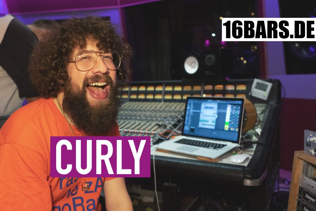 Curly: Songwriting im Studio von DJ Desue | 16BARS.DE