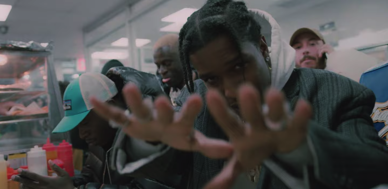 A$AP Rocky, A$AP Ferg & Nicki Minaj - Runnin (VIdeo) | 16BARS.DE
