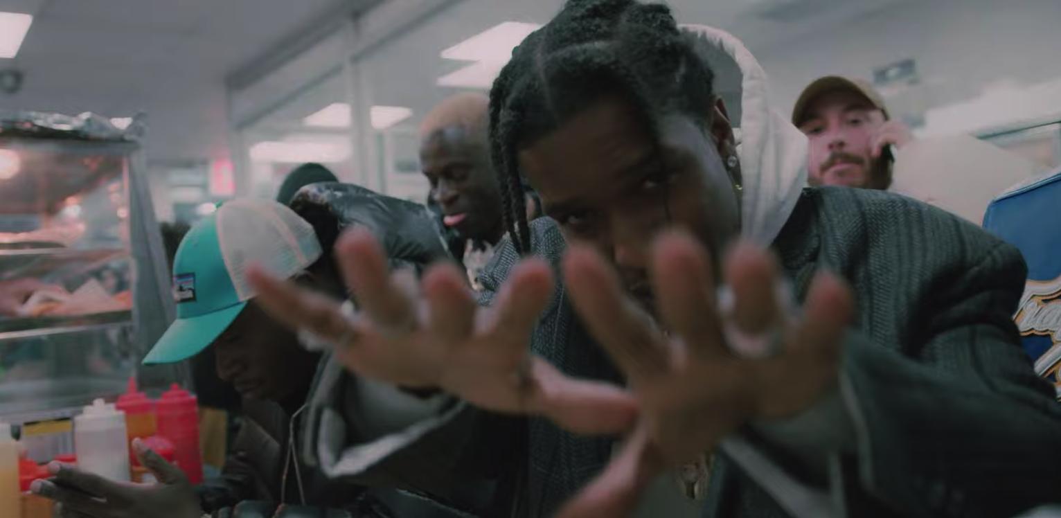 A$AP Rocky, A$AP Ferg & Nicki Minaj - Runnin (VIdeo) |16BARS.DE
