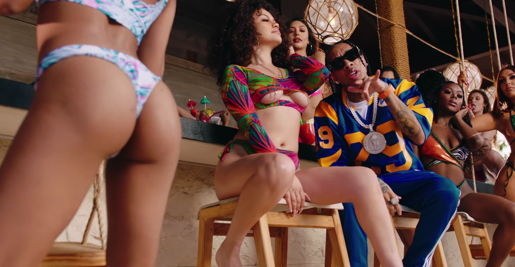 Tyga feat. G-Eazy & Rich The Kid - Girls Have Fun (Video) | 16BARS.DE