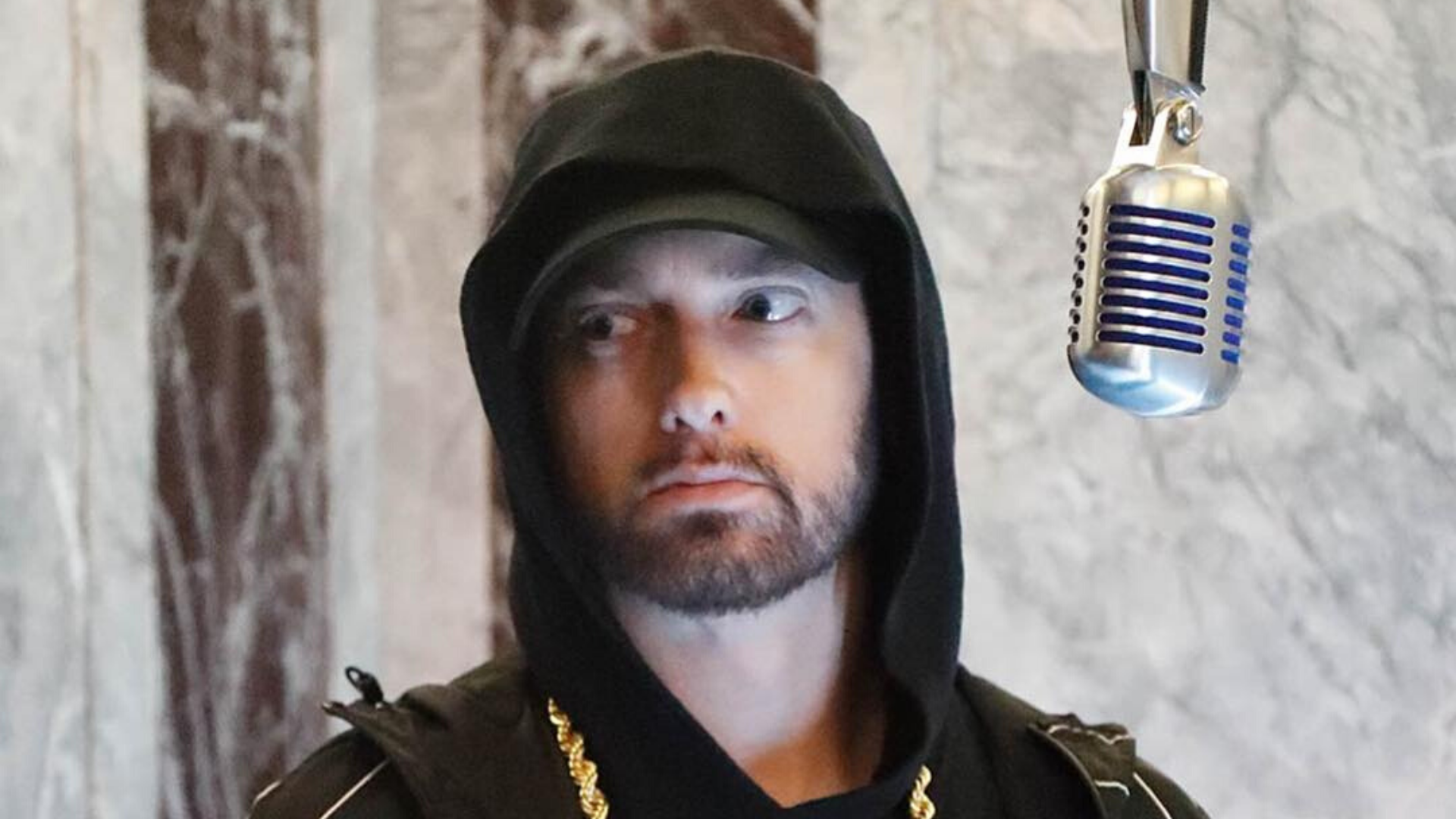 """""""What made me want to rap"""": Eminem über seine Musikkarriere   16BARS"""