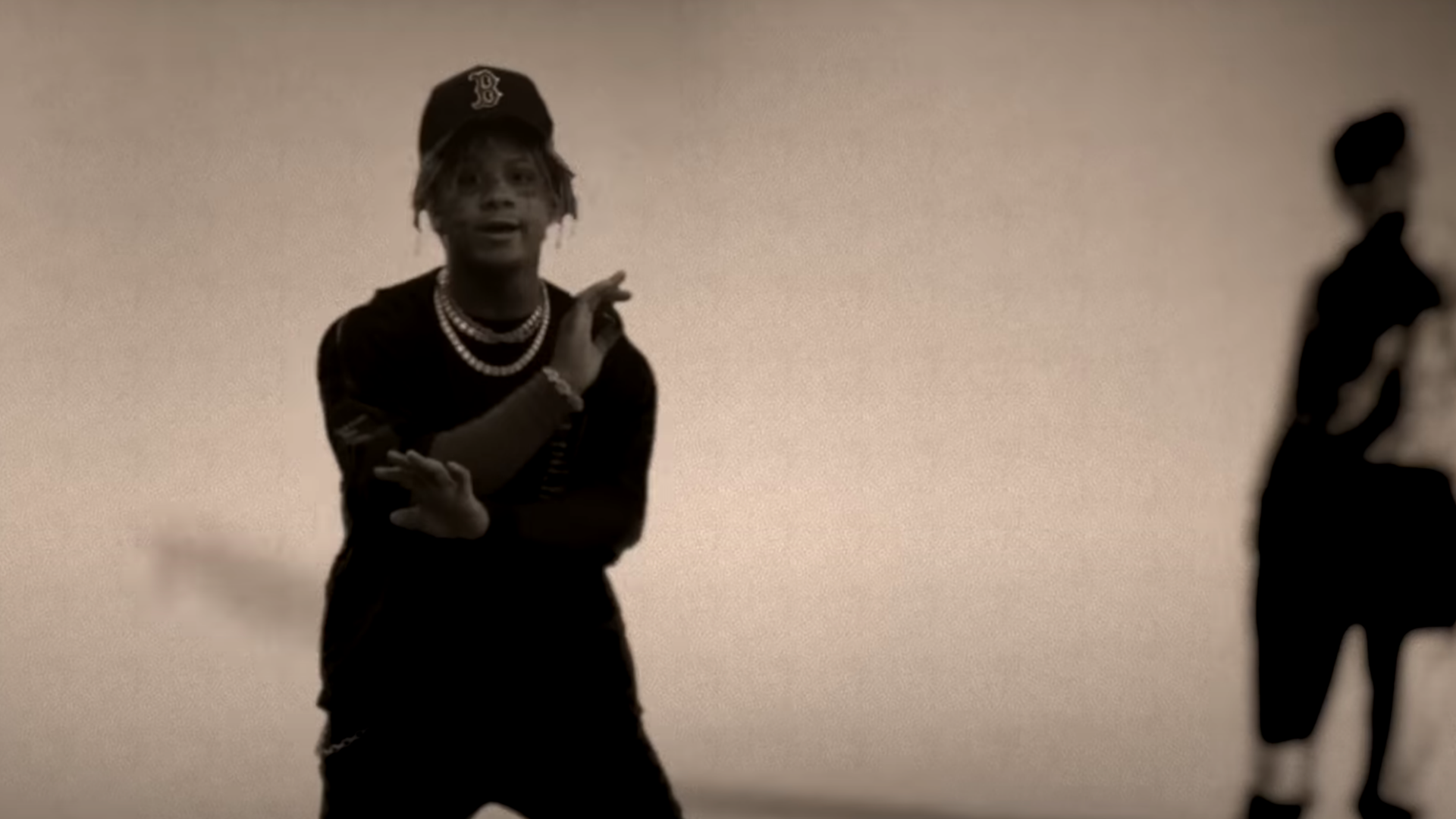 Juice WRLD feat. Trippie Redd - Tell Me U Luv Me | 16BARS