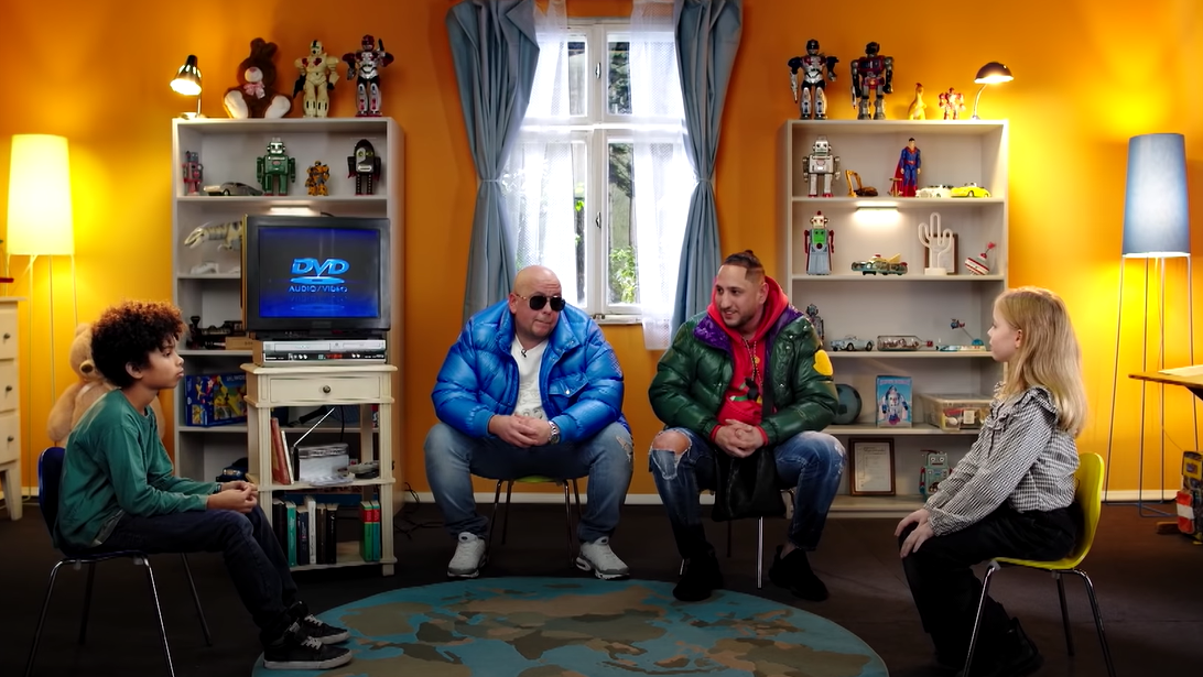 "Celo & Abdi zu Gast bei ""Kinder fragen Rapper"" | 16BARS"
